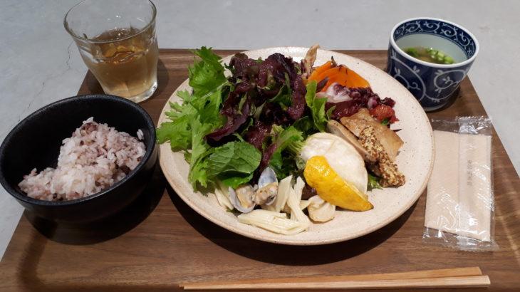 【渋谷/表参道 ランチ】UB1 TABLE(ユービーワンテーブル)で平日ランチ。野菜たっぷりデリが好き!