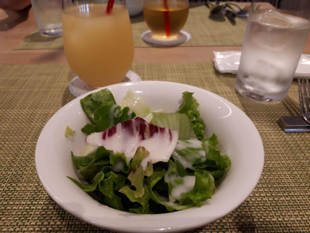 サラダとジュース
