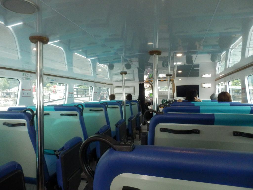 世界遺産航路 高速船の様子
