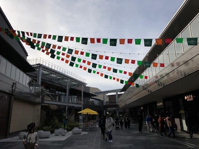 南町田グランベリーパーク 開店前混雑